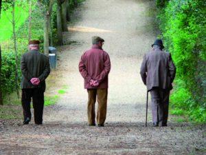 L'allontanamento sociale e l'abbandono fisico degli anziani
