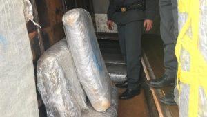 Viaggiava sulla Ss 106 con 155 Kg di marijuana nel camion, 32enne albanese arrestato