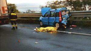 Incidente sull'autostrada Messina-Catania, muore anche una pensionata calabrese