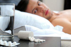"""Andare a letto tardi ogni sera fa male: gli esperti mettono in guardia contro la """"sindrome da sonno posticipato"""""""