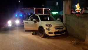 Malore alla guida e l'auto finisce contro un muro, ferita giovane