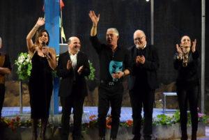 Sold out e applausi a scena aperta per lo spettacolo di Biagio Izzo al Comunale di Catanzaro