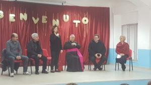 Soverato, visita del Vescovo Bertolone alla scuola primaria Vicuña