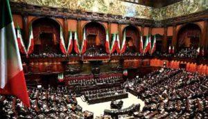 Diminuire nettamente i parlamentari, e non solo