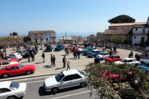 Raduno d'auto d'epoca a Santa Caterina dello Jonio