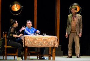 """Risate e applausi a scena aperta per De Silva e Procopio nello spettacolo """"A che servono questi quattrini"""""""