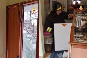 Esplode bombola gas in appartamento, nessun ferito