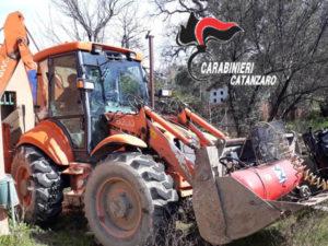 Recuperato dai Carabinieri escavatore rubato