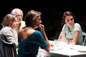 """Soverato – """"Prima di andar via"""" chiude una stagione di """"alto gradimento"""" al Teatro del Grillo."""