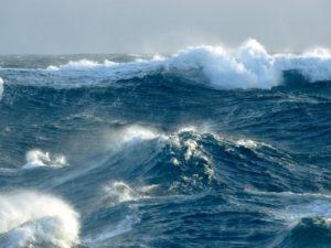 Maltempo – Venti di burrasca forte in Calabria, possibili mareggiate lungo le coste esposte