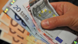 Costretto a restituire 250mila euro dopo prestito di 30mila, undici arresti per usura