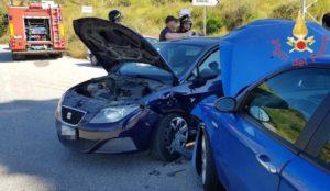 Scontro tra due auto nel catanzarese, due feriti