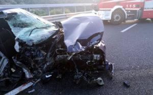 """Brutto incidente sulla Ss 682 """"Jonio-Tirreno"""", grave una ragazza"""