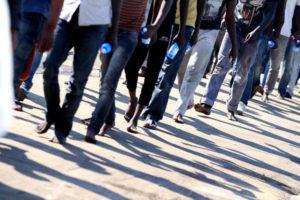 Nuovo sbarco di 48 migranti in Calabria, alcuni rintracciati lungo la Ss 106
