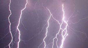 Maltempo: allerta domani in Calabria, piogge e venti fino a burrasca forte