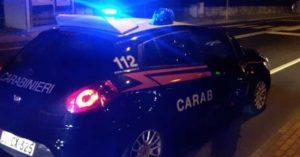 Investe e uccide migrante in bici e poi scappa, rintracciato dai carabinieri