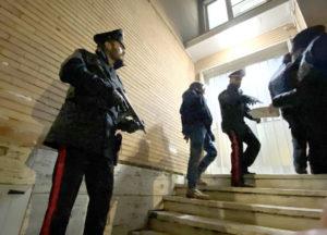 Alleanza tra 'ndrangheta e camorra per spartirsi le piazze di spaccio a Roma, 33 indagati