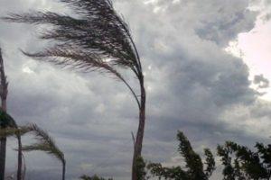 Maltempo: in arrivo venti di burrasca in Calabria, mareggiate lungo le coste esposte