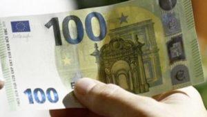 Cenano e pagano al ristorante con 100 euro falsi, coppia napoletana arrestata