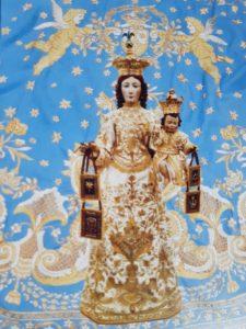 Un nuovo vestito per la vestizione della statua della Madonna del Carmelo a Filogaso