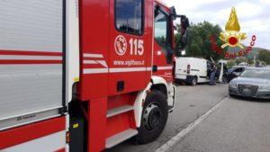 Scontro frontale tra un'auto e un furgone a Catanzaro, due feriti