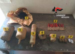 Rinvenuti 30 kg di materiale esplodente di fabbricazione artigianale, 59enne denunciato