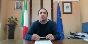 Il sindaco di Maida, Salvatore Paone, informa i concittadini di aver ricevuto un avviso di garanzia