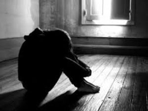 Rapinano e torturano un ragazzo minorenne, tre giovani arrestati