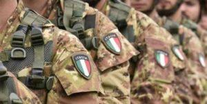 Per vigilare sui migranti positivi al Covid-19 arriva l'esercito