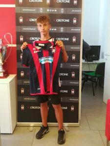 Calcio, il giovanissimo Riccardo Cacia al Crotone