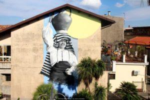 """A San Vito sullo Ionio il festival """"Sonati vicinu"""" celebrato da un gigantesco murales di Smoe"""