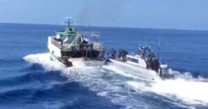Peschereccio tunisino sperona motovedetta, la Guardia di finanza di Vibo Valentia apre il fuoco