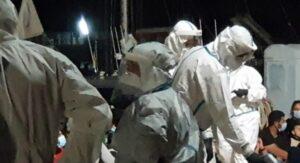 21 dei 57 migranti sbarcati a Roccella Ionica positivi al Covid-19