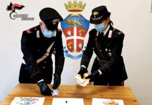 Tenta la fuga in monopattino con la cocaina, 38enne arrestato