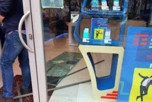 Svaligiato a Catanzaro un negozio di telefonini