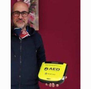Universo Minori dona un defibrillatore all'Istituto Salesiani Don Bosco di Soverato