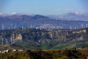 Appello per una moratoria nell'installazione di nuove pale eoliche in Calabria