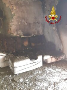Appartamento in fiamme a Santa Caterina dello Ionio, nessun ferito