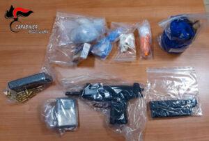 Sequestrate armi e droga in un appartamento abbandonato