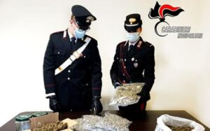 Trovato in possesso di circa 1,8 Kg di marijuana, 43enne arrestato