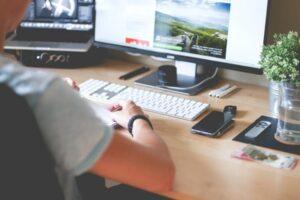 Dai programmatori ai content creator, tanti i nuovi i lavori da svolgere sul web
