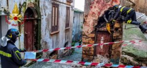 Crollo nel centro storico di Cosenza