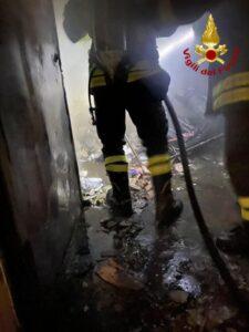 Incendio a Catanzaro di una struttura adibita ad edificio scolastico
