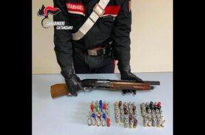 Detenzione di arma clandestina e munizioni, 45enne arrestato