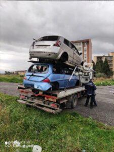 FOTO NEWS | Catanzaro, rimosse le auto abbandonate in Via Teano