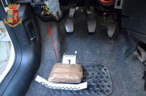 Viaggiavano sulla Ss 280 con mezzo chilo di eroina in auto, due arresti