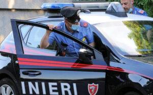 Accoltella due fratelli al culmine di una lite, 52enne arrestato