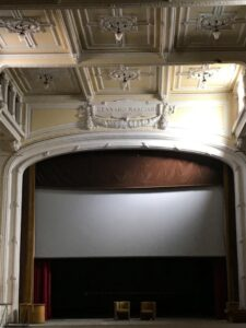Catanzaro, firmato l'atto di acquisto del Teatro Masciari