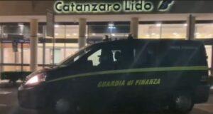 'Ndrangheta – Scacco alla cosca Gallace, decine di arresti tra Guardavalle e la Toscana (VIDEO E NOMI)