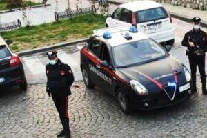 Litiga con la moglie e colpisce carabiniere, 47enne arrestato